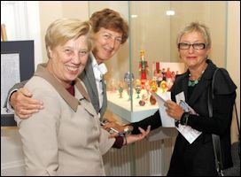 Soroptomist Sisters with Ulla Tillander-Godenhielm Viewing the Girls's Hand-Painted Eggs
