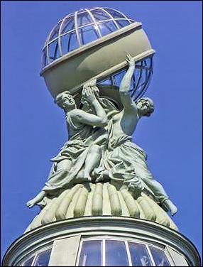 Singer Building Cupola, St. Petersburg, Russia (Courtesy Valentin Skurlov)