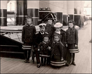 The Imperial Family on the Yacht Standart, ca. 1907 (Courtesy OTMA Forever)