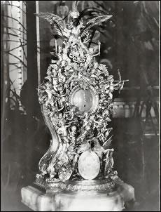 Alexander III 25th Wedding Anniversary Clock von Dervis Exhibition, St. Petersburg (1902)