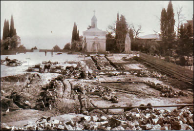 Old Livadia Palace from an Early 20th Century Postcard, Construction of the New Palace (Courtesy Liki Rossii)