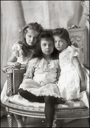 Princess Elisabeth and Her Russian Cousins Grand Duchesses Olga and Tatiana (Courtesy wiki)