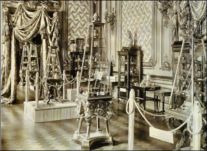 First Fabergé Exhibition, von Dervis Mansion, St. Petersburg, 1902