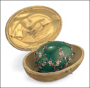 1901 Apple Blossom Egg (Courtesy Adulf P. Goop Foundation Collection, Liechtenstein Landesmuseum, Vaduz)