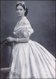 Maria Feodorovna, neé Princess Dagmar of Denmark (1847-1928) wearing engagement pearls. (Hall, Coryne, Little Mother of Russia, 1999, Back Cover)