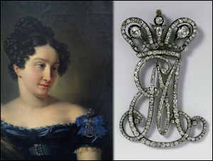 Cipher EM (1801-1825) of Empress Elizabeth Alekseevna (1779-1826) and Dowager Empress Maria Feodorovna (1759-1828).  Courtesy Wartski. Paired with a portrait of Countess E. N. Potocka by Mitoire 1820s.  Courtesy Tver Regional Art Gallery.