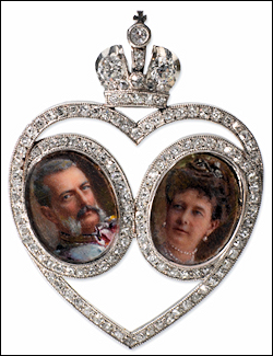 Maria Pavlovna photograph was the model for an Imperial presentation pendant with miniatures of Vladimir and Maria. The authors are searching for more archival details for this pin. (Wiki, Courtesy McFerrin Collection)