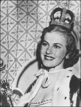 'Miss Universe 1952' Wearing the Nuptial Crown (Wiki)