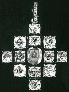 Pendant Brooch with Portrait Diamond Covering Mandylion Icon (Papi, Stefano. Jewels of the Romanovs: Family & Court, 2013, 306)