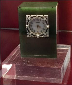 Hephrite Clock